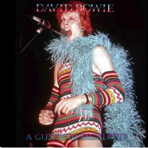 David Bowie 1973-03-01 Detroit ,Masonic Temple Auditorium - A Gun And Me Along - SQ 7+