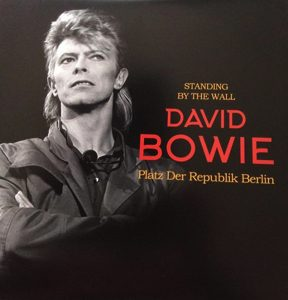 David Bowie 1987-06-06 Berlin ,Platz der Republik - Standing By The Berlin Wall - SQ -9