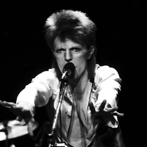 david-bowie-A-GUN-AND-ME-ALONG-INNER1