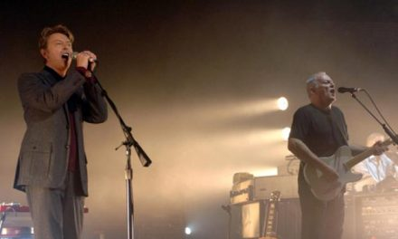 "David Gilmour and David Bowie Sing ""Comfortably Numb"""