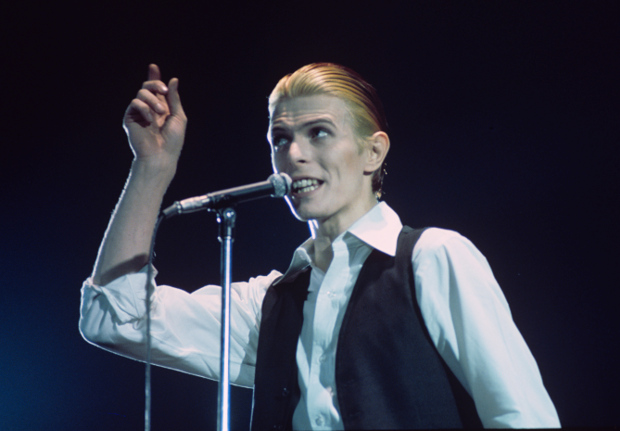 ROTTERDAM, HOLLAND - MAY 13th: David Bowie performs live at Ahoy, Rotterdam on May 13th 1976 on the final leg of his 1976 World Tour. (Photo by Gijsbert Hanekroot/Redferns)