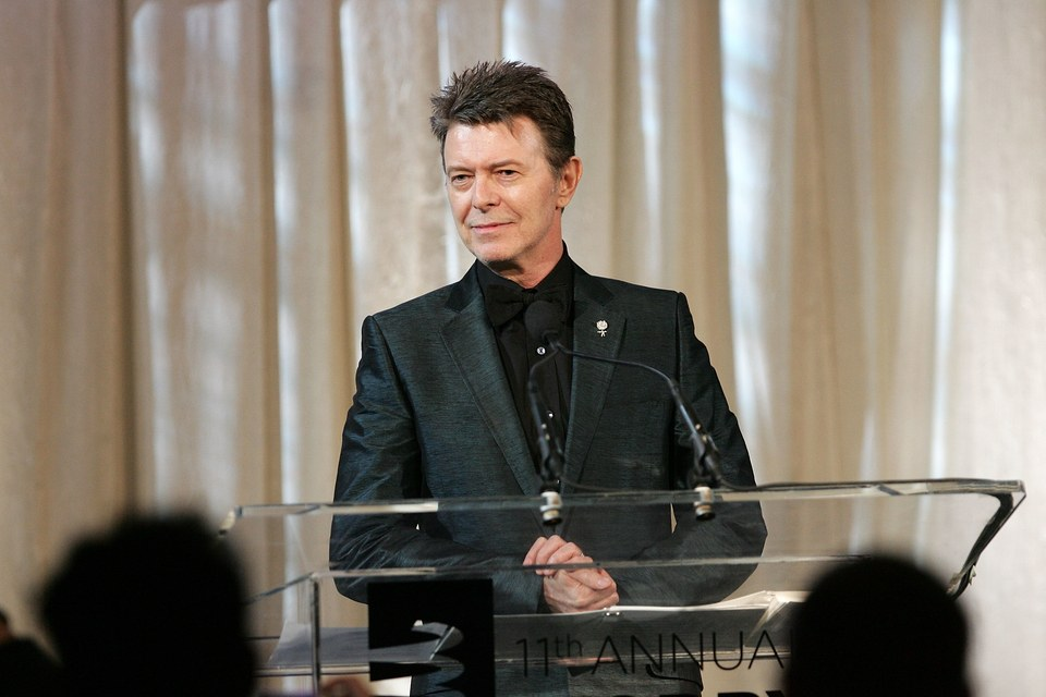 David Bowie accepts the lifetime achievement award at the annual Webby Awards in 2007