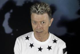 "BOWIE'S FARWELL ALBUM ""BLACKSTAR"" UP FOR U.K.'S MERCURY PRIZE"