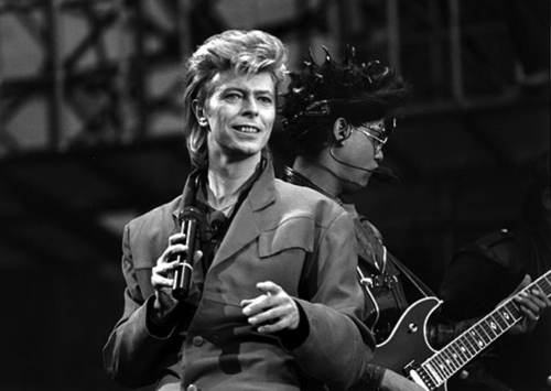 david-bowie-stay-in-stay-out-4