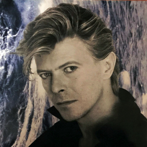 david-bowie-waiting-in-the-wind