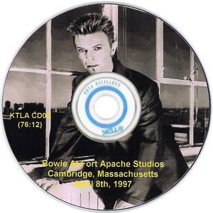 Bowie_At_Fort_Apache_-_Disc