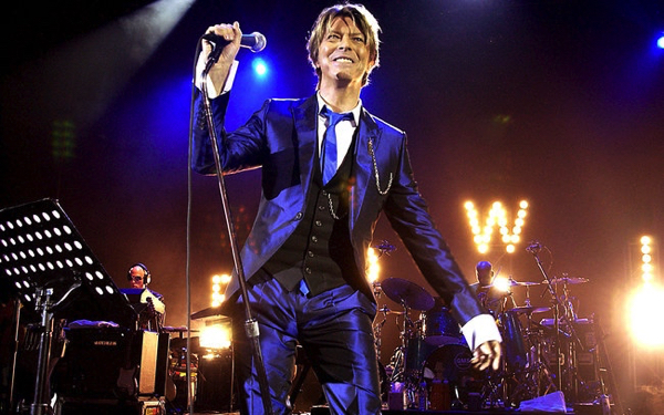 David Bowie was UK's most popular recording artist of 2016 ; UMG Top Label
