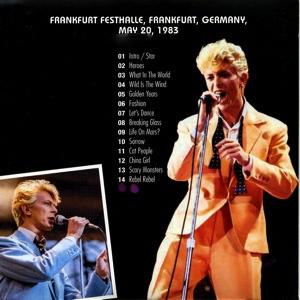 david-bowie-a-star-in-the-frankfurt-moonlight-2