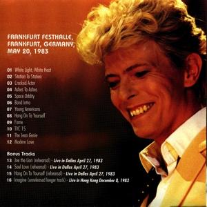 david-bowie-a-star-in-the-frankfurt-moonlight-3