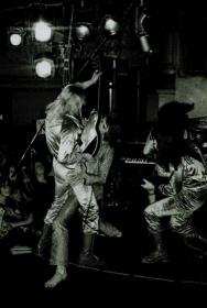 DAVID-BOWIE-Aylesbury-Friars-Club-1972