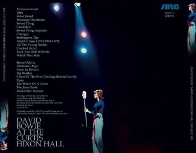 david-bowie-at-the-curtis-hall-1974