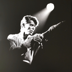 david-bowie-welcome-to-the-blackout-live-london-1978