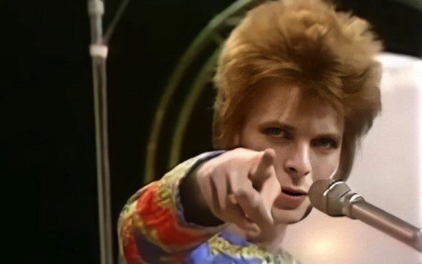 David Bowie debuts Ziggy Stardust singing 'Starman' on Top of the Pops